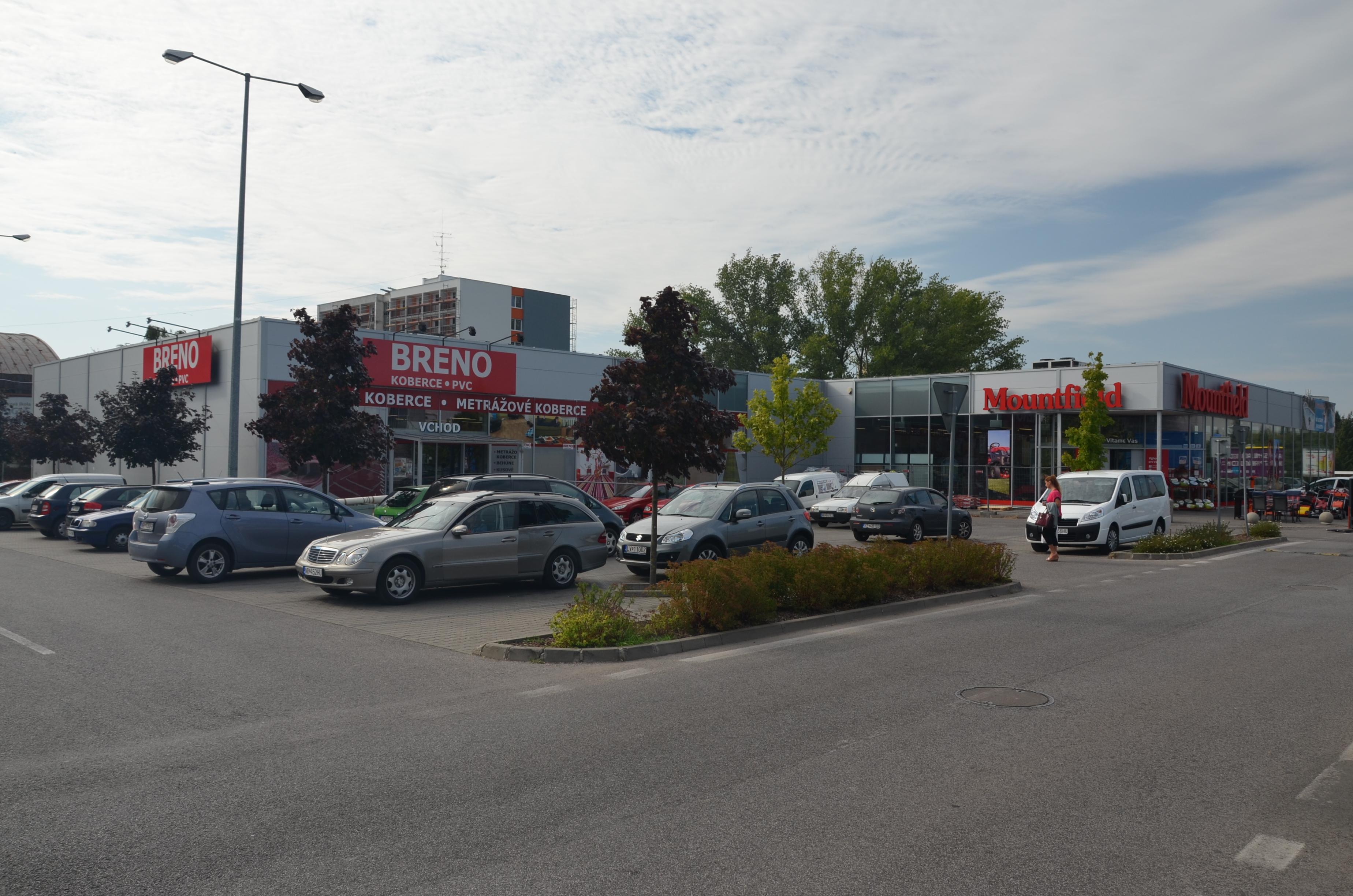 Obchodné centrum Nitra-Chrenová 1