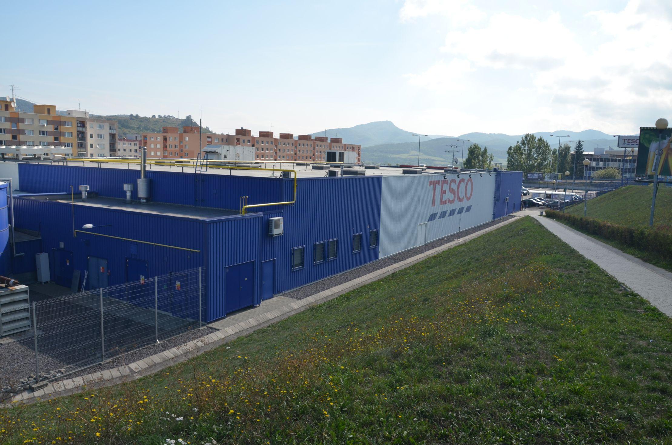 Hypermarket TESCO 3
