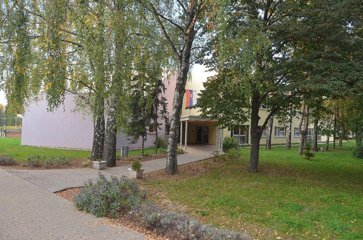 Učebný pavilón ZŠ na Tulipánovej ul. v Nitre 3